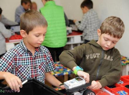 Организиране на детски рождени дни с роботи в София - Онпарти ООД