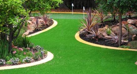 Поддържане зелени площи в Казанлък - Озеленяване Казанлък