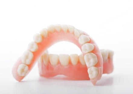 Поставяне на зъбни протези в София-Илинден - МДЦ Антим