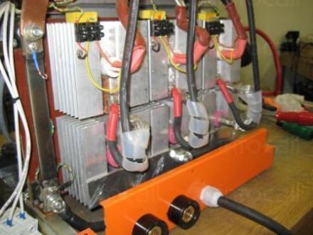 Производство на стартерно зарядно за локомотиви в Перник - ВК Конверт ООД