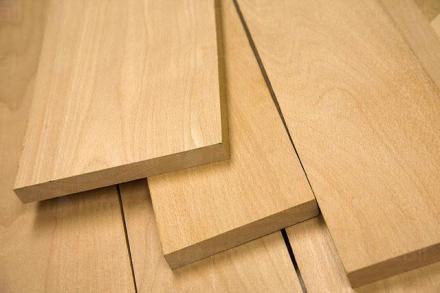 Търговия с дървен материал в Тръстеник - Дино  ЕООД